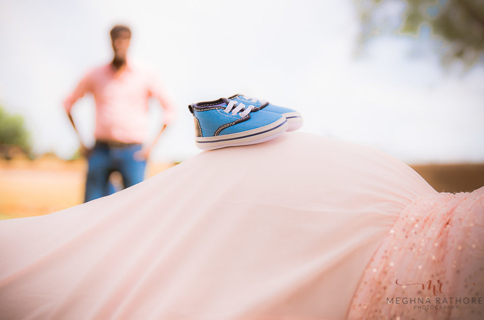 BEST OUTDOOR MATERNITY PHOTO SHOOT LOCATIONS IN GURGAON