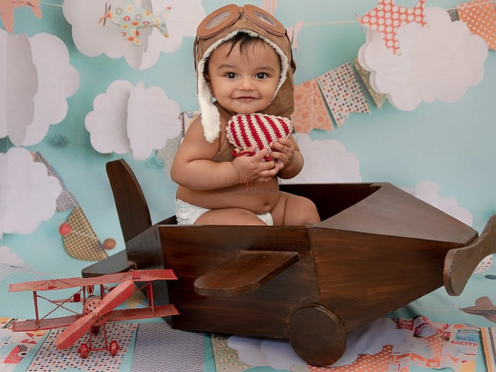 7 Months Old Boy Kid Indoor Studio Photo Session - Noida Gurgaon Delhi