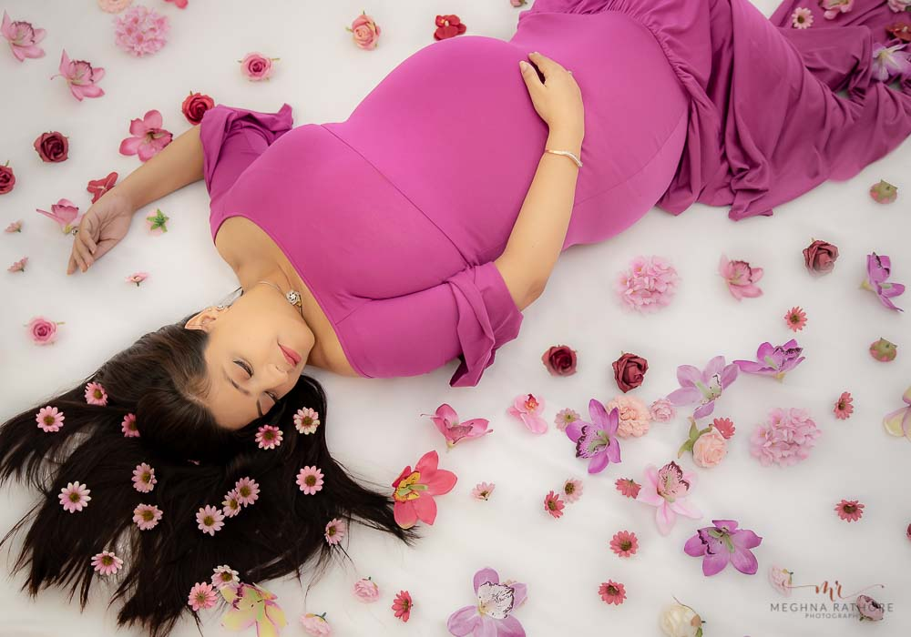 gurgaon delhi newborn professional photographer indoor newborn photo shoot