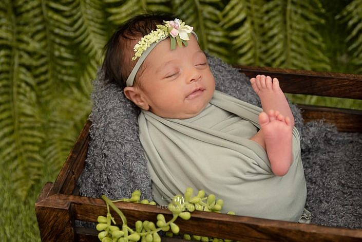 Meghna Rathore Photography, baby smiling, green theme, newborn photographer