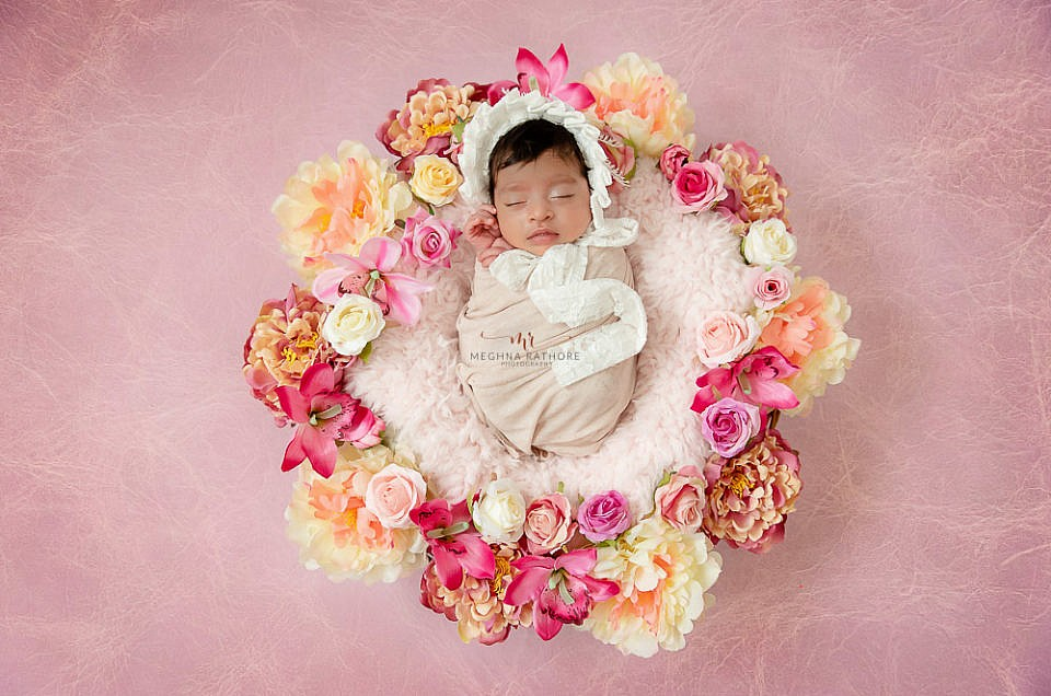 NEWBORN BABY PHOTO SESSION DURING WINTERS OF DELHI