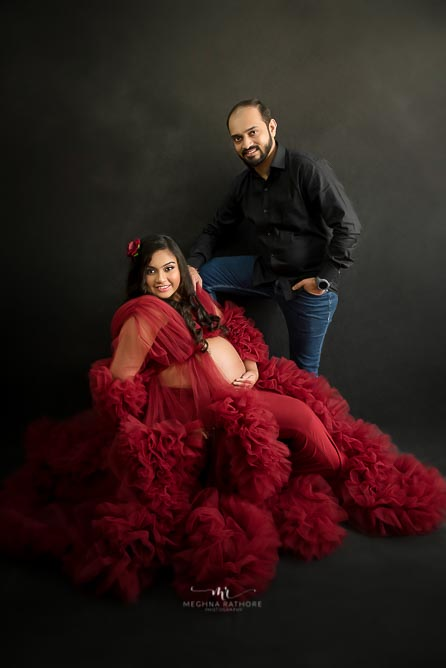 baby on board. maternity photoshoot by Meghna Rathore photography Delhi
