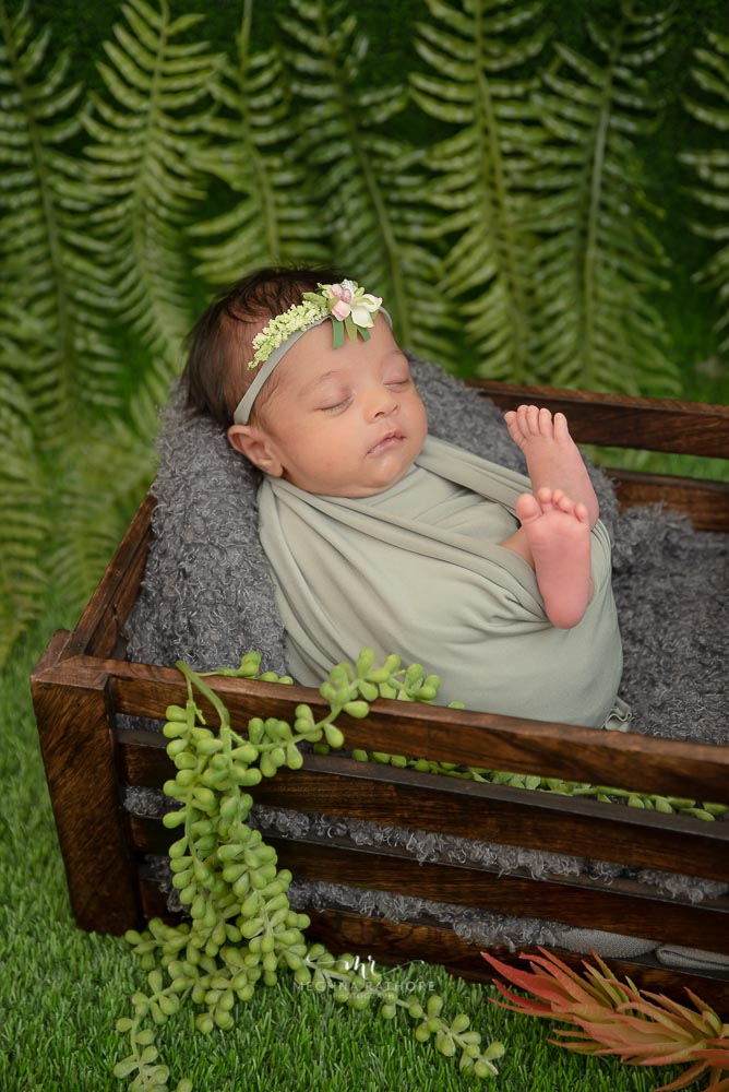 Meghna Rathore Photography, baby posing in grass, newborn photographer