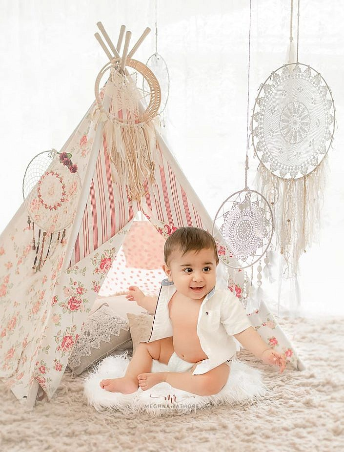 Meghna Rathore Photography, baby in tent, kids photographer