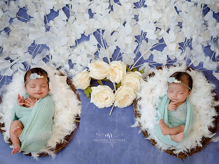 Baby – March 2020 – 2 Months Old Twin Babies Family Photo Shoot