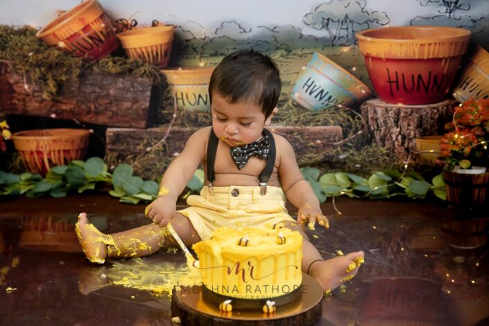 1 year old cute baby boy kid indoor professional photoshoot theme based at meghna rathore photography in delhi gurgaon