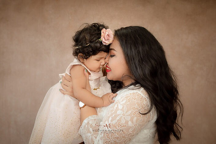 mom and baby girl. kid photoshoot by Meghna Rathore photography Delhi