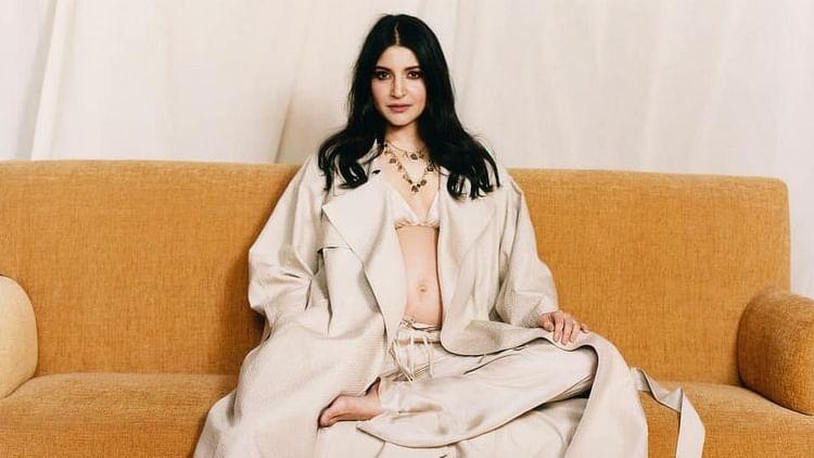 bollywood celebrity anushka sharma maternity photoshoot for vogue india