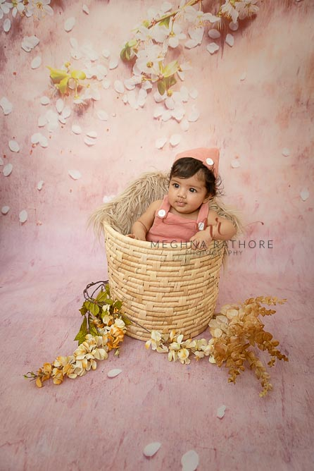 4 months old baby girl professional photoshoot at meghna rathore photography in delhi