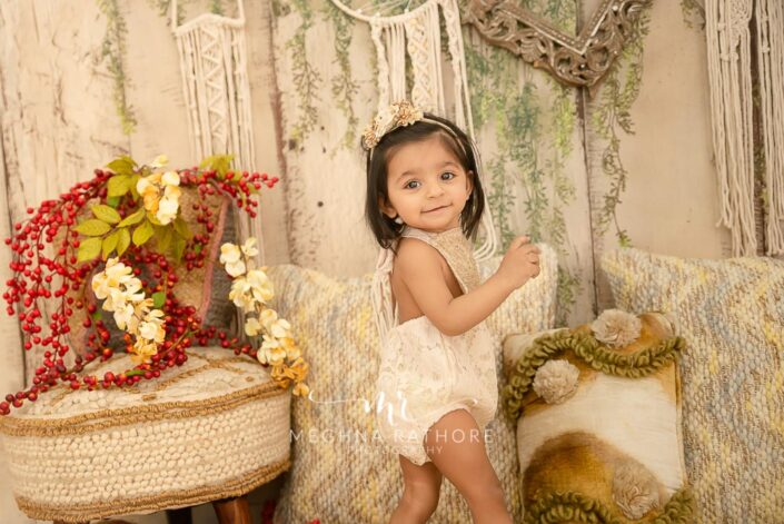 1 year old cute girl photo shoot poses for meghna rathore photography in delhi gurgaon